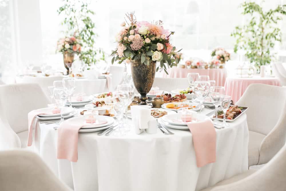 decora sala pentru nunta